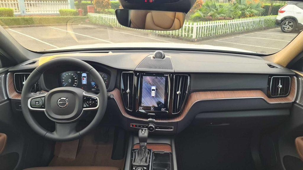 Volvo XC60 2022